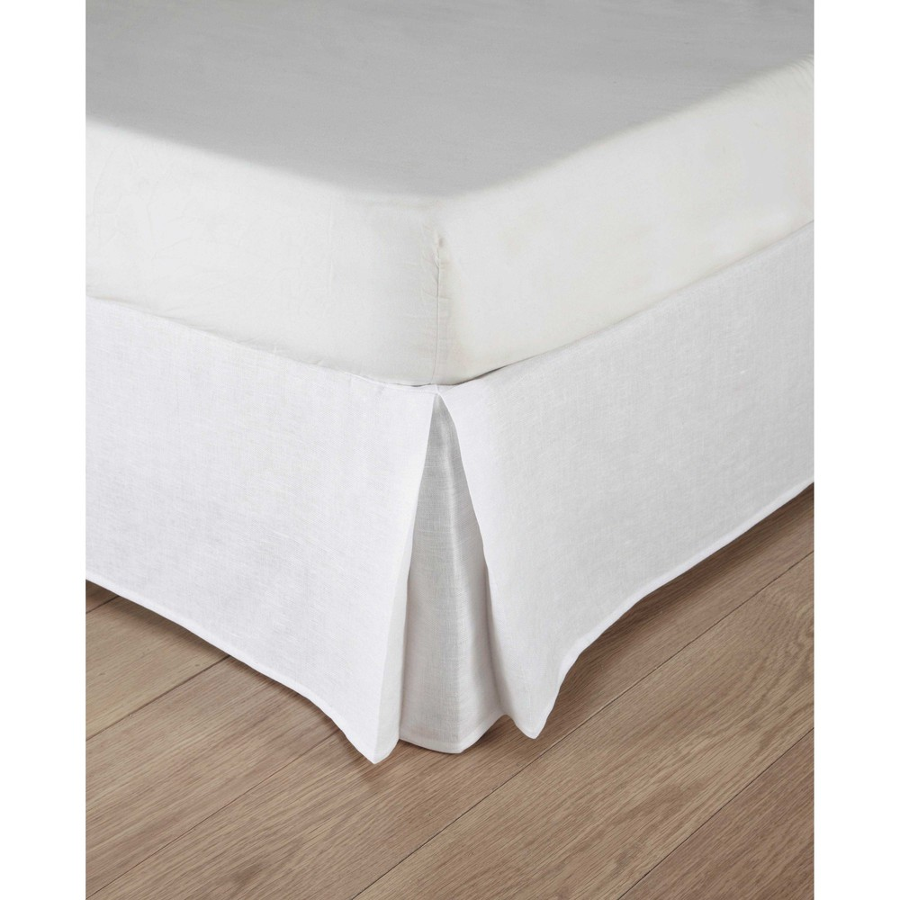 Washed-cotton-and-linen-bed-skirt-in-white-140-x-190cm_27540046743