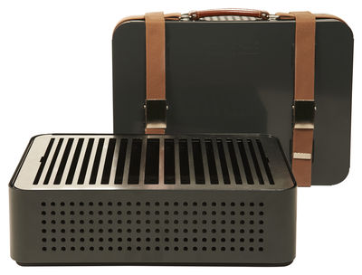 movable-charcoal-barbecue-mon-oncle-grey_madeindesign_217123_large