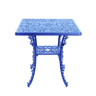 square-table-industry-garden-blue_madeindesign_336124_large
