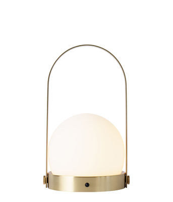 wireless-lamp-carrie-led-brushed-brass_madeindesign_305810_large