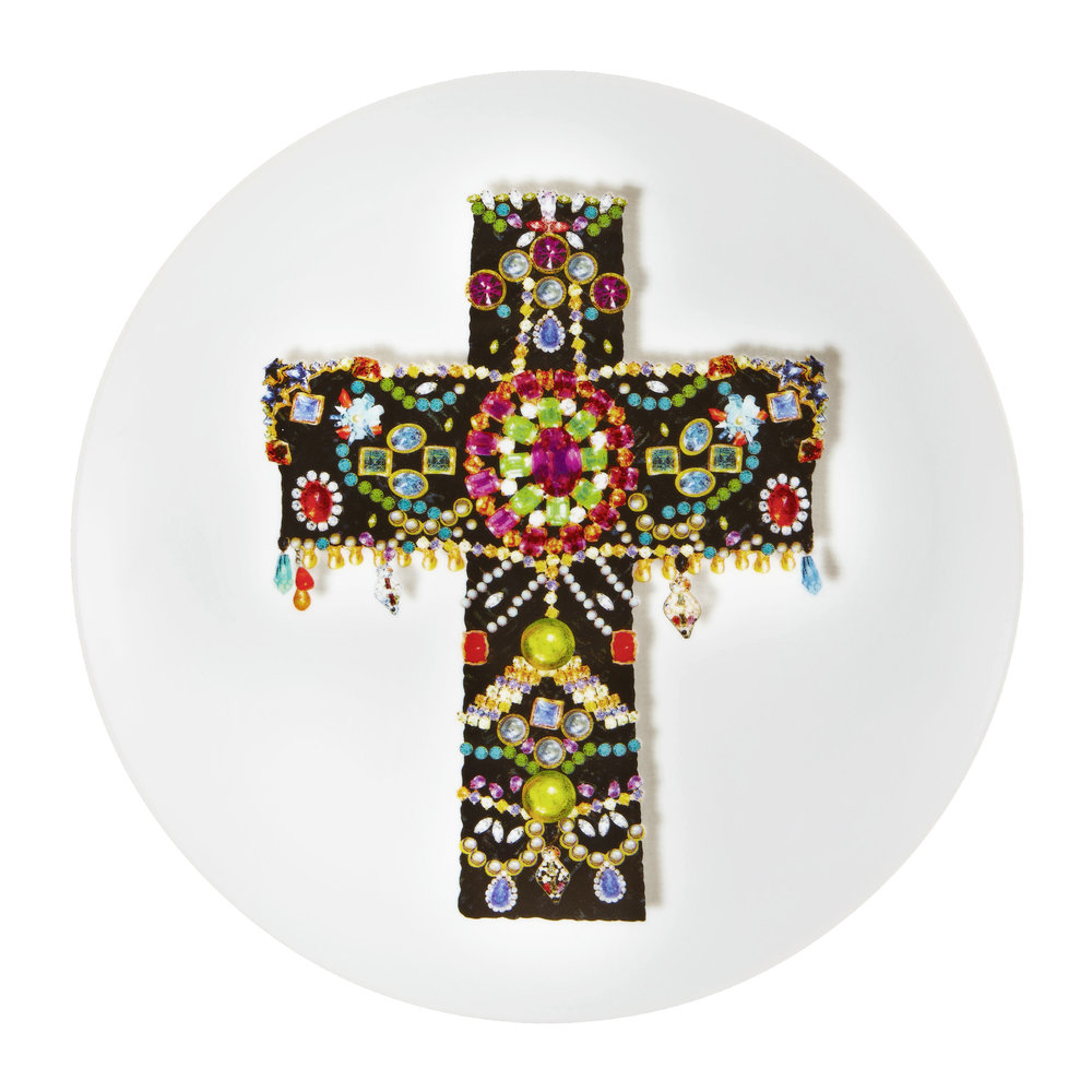 love-who-you-want-black-cross-plate-242230